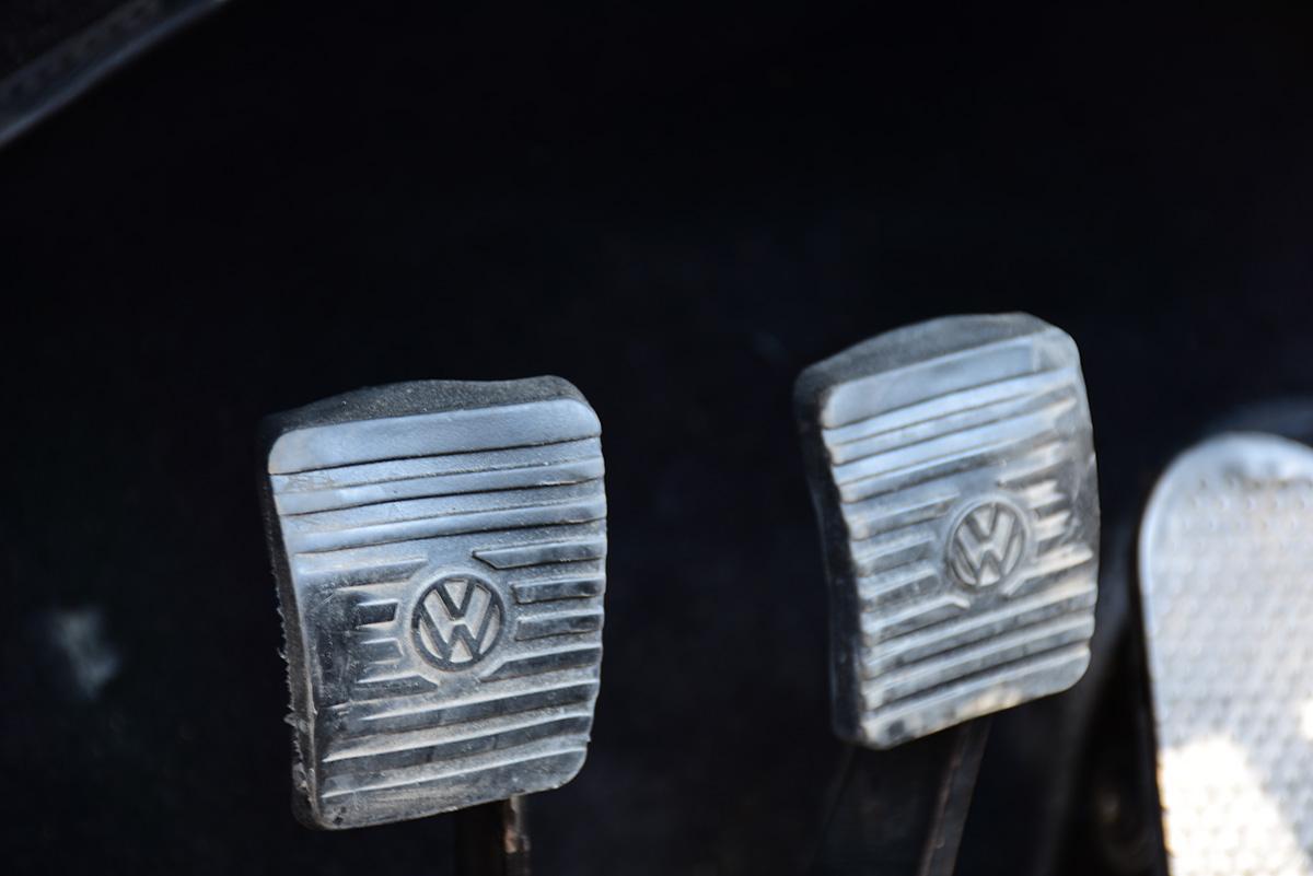 VW Käfer Cabrio Detail Pedale