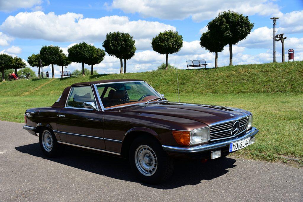 Mercedes Benz SL 350 Oldtimer vorne rechts